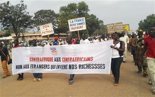 Manifestazione contro lo sfruttamento neocoloniale francese delle risorse nella Repubblica Centrafricana